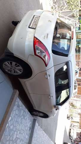 Maruti Suzuki Swift 2015 Diesel 43000 Km Driven