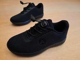 Sepatu airwalk anak hitam polos