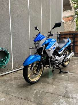 "Suzuki Inazuma 250 ""limited colour"""