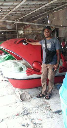 sepeda air kodok,wahana air kodok warna merah,perahu air kodok gowes