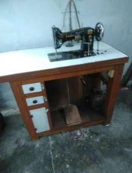 Embroidery machine ( kadhayi machine)