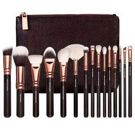 ZOEVA 15 Piece Cosmetic Brushes With Leather Bag