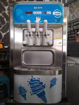 Mesin soft ice cream Bravo/ mesin es krim