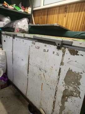 Deep fridge 1000 liter