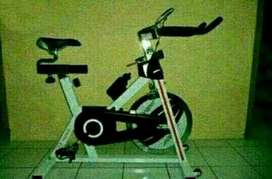 Modern style alt olahraga at home(spinning bike MSP1012)