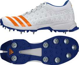 NEW Original ADIDAS cricket shoes with spikes - size 10