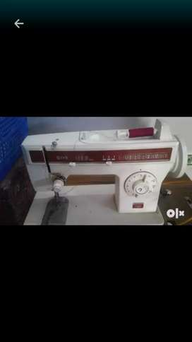 Singer sewing  machine  without  stand