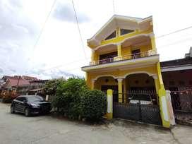 Dikontrakkan Rumah 2 lantai tengah Kota Kendari
