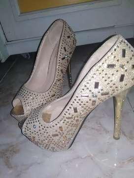 Dijual High Heels Rp. 150.000