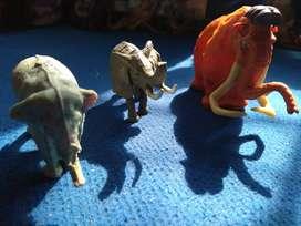 Display miniatur gajah