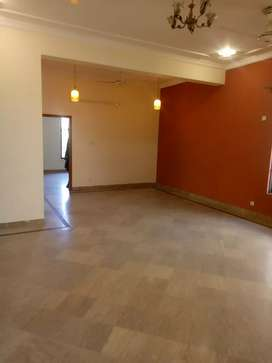 G10 beautiful 1 kanal 3 bed room portion available for rent real image