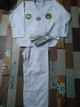 Dijual seragam taekwondo set uk. L