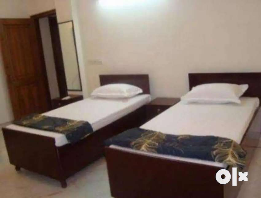 No brokage male pg furnished with ac 2 shering 8500 station goregaon w