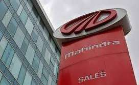 Male / female Candidates apply for full time job in Mahindra Motors In