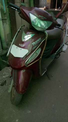 Scooty argent my sale
