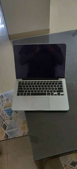 Macbook Pro Retina 13inch i5 with 256gb ssd (early 2015)
