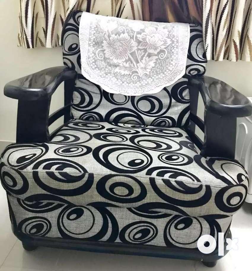 Sofa for sale. 0