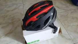 Helm avand merah hitam