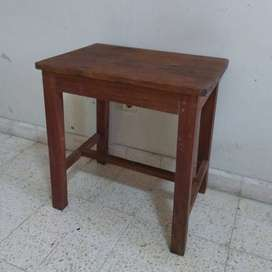 Meja samping antik