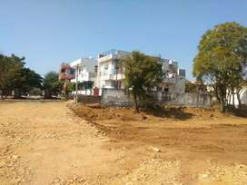 100 sq yard/30 lac ,