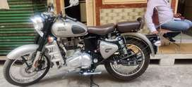 Royal Enfield Classic 350 - Silver color - Brand new