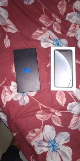 I want to sell my apple iphone XR white colour warrenty till nov