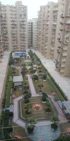 2bhk flat for rent7700. park facing