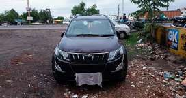 XUV500 W10 2015 TOP CONDITION
