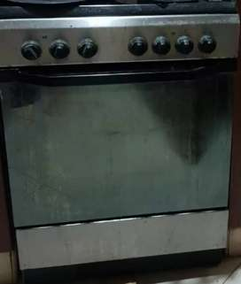 Electric oven with electric stoves