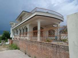 2.5 Kanal House for sale on Main road