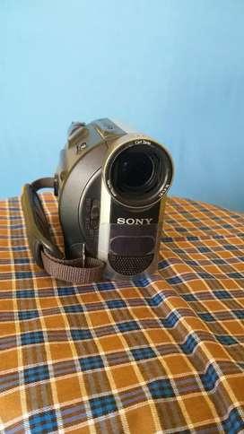 Sony HC 52 DV Camera