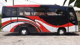 Medium Bus Hino Adiputro 2012