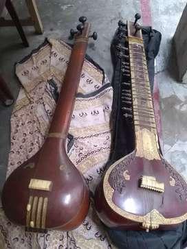 Tanpura and Sitar