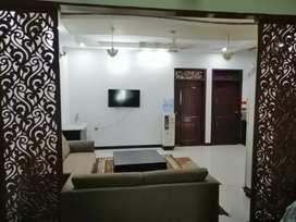 200 sq yards 1st floor with roof portion west open corner in jauhar