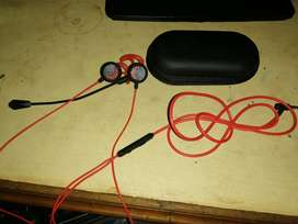 Gaming headset/handsfree for sale with detachable Mic