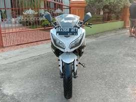 Kawasaki ninja 250 fi putih tahun 2014/ninja 250fi putih tahun 2014