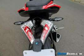 Rs 200 tail lamp