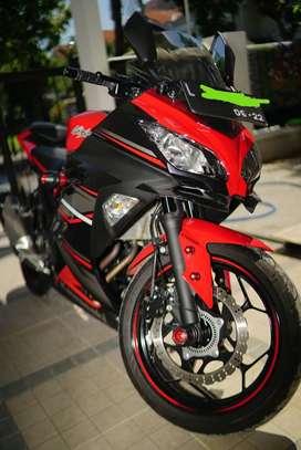 Ninja 250 FI ABS km 3.700,-