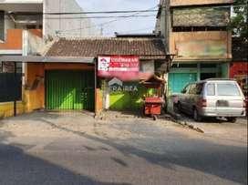 Ruang usaha disewakan di Jl Dr Supomo, Solo