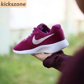 Nike Tanjun Maroon List White Original