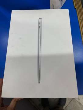 Apple macbook air 2019 8gb 128gb  colour