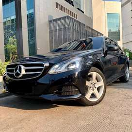 Mercedes Benz / Mercy E 200 Avantgrade 2013 Black On Black Facelift.