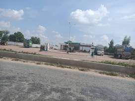 300 Square Ft Commercial Shop For Sale, In jhang road,near Faisalabad