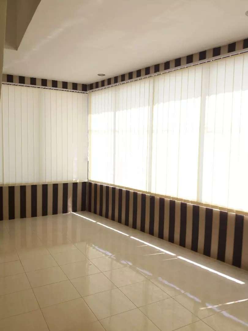 Agen sekaligus toko vertikal blinds 0