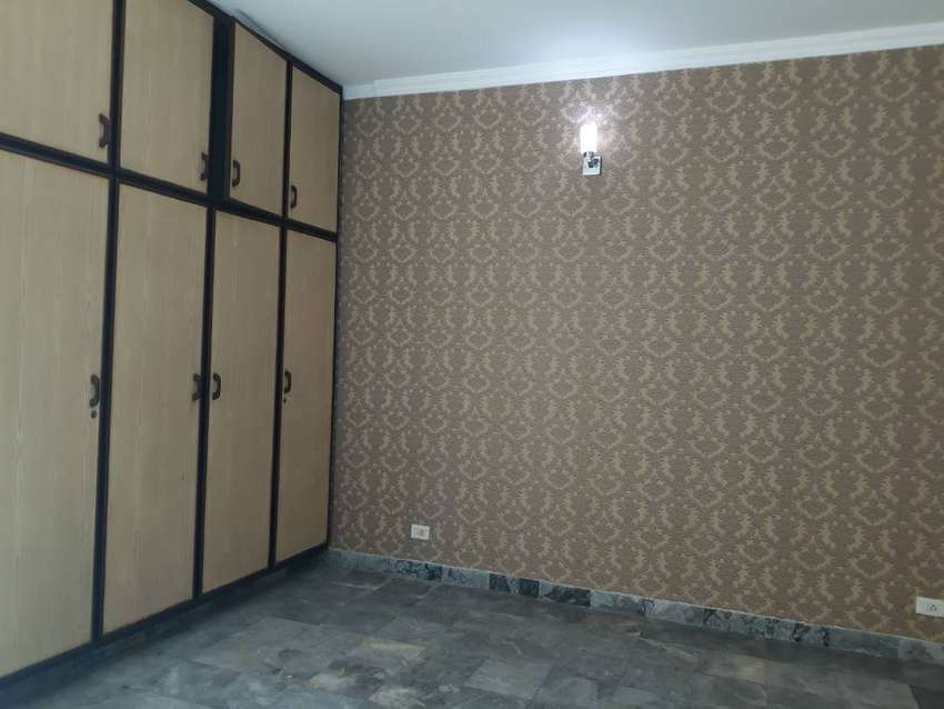 DHA 1 Kanal Wonderful Upper Portion With Separate Gate For Rent 0