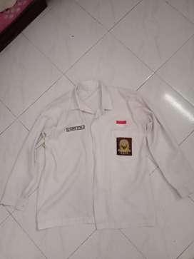 seragam putih lengan panjang