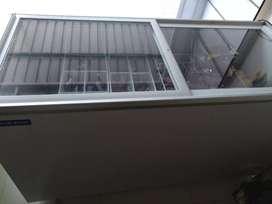 DBlue star Deefridge glasstop 500 ltr
