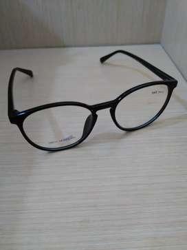 Frame Kacamata Bulat Warna Hitam Cocok Buat Remaja