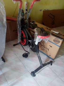 Sepeda statis dan dinamis air bike
