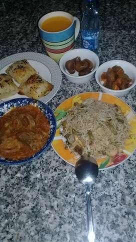 Birayani cheshe vantamanisi(cook) kavali